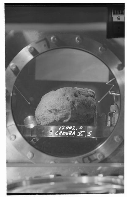 Black and white stereo photograph of Apollo 12 Sample 12002,0 using Camera V angle S.