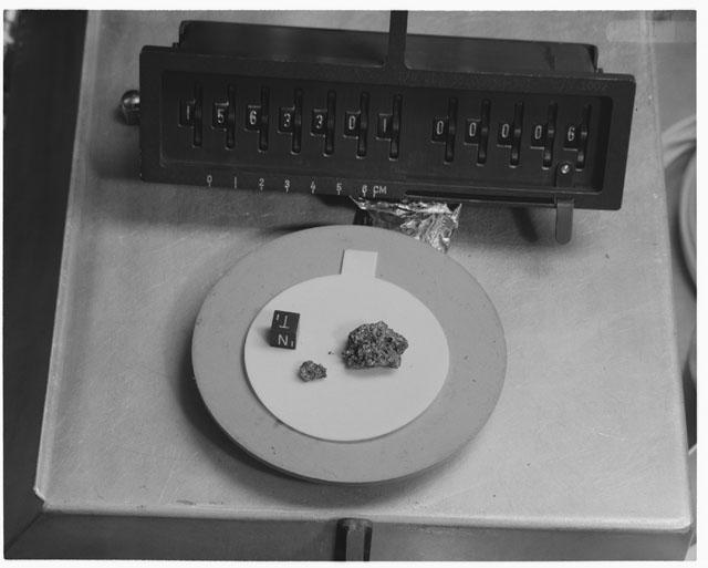 Inventory Photograph of Apollo 15 Sample(s) 15633,01