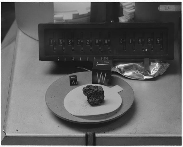 Inventory Photograph of Apollo 15 Sample(s) 15672