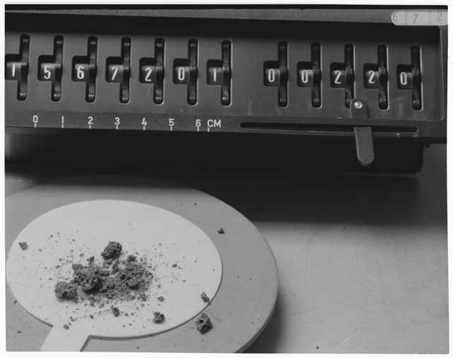 Inventory Photograph of Apollo 15 Sample(s) 15672,1